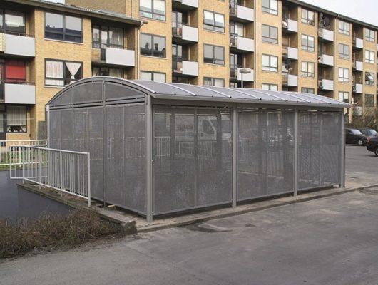 cykeloverdaekning-til-boligselskab-cykelskur-i-aluminium-5230-odense-m