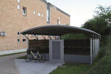 Aflukket cykelskur i aluminium med plads til 40 cykler