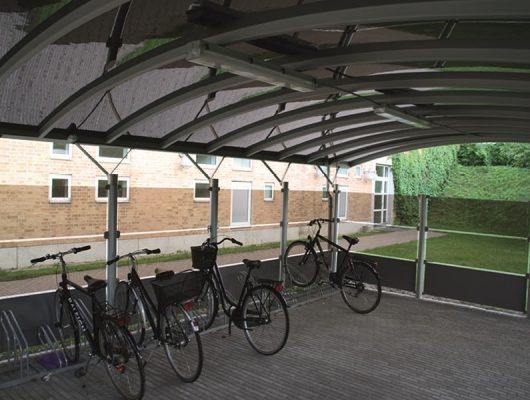 lukket-cykeloverdaekning-cykelskur-aluminium-4200-slagelse-sygehus