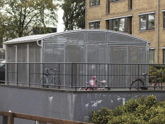 lukket-cykeloverdaekning-til-boligselskab-aluminium-5230-odense-m