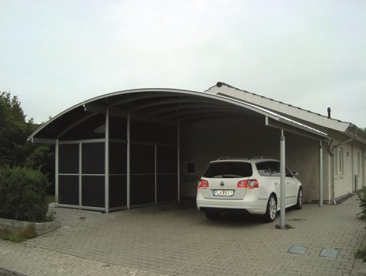 Specialbygget Dobbet Carport Med Redskabsrum i Skovlunde