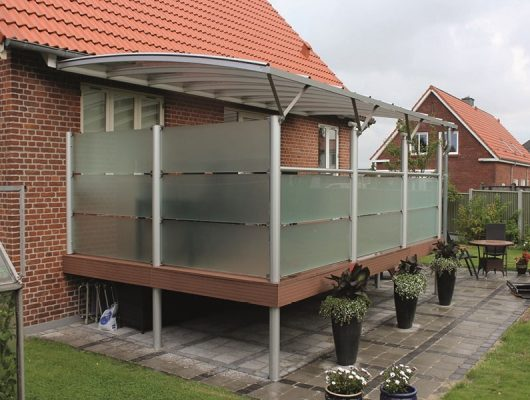 Terrasseoverdækning Hævet Terrasse Vaeghaengt Med Glashegn