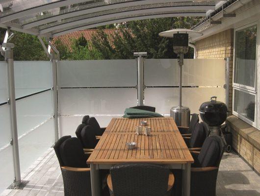 Terrasseoverdækning Med Hævebeslag - Væghængt Med Sider Aluminium
