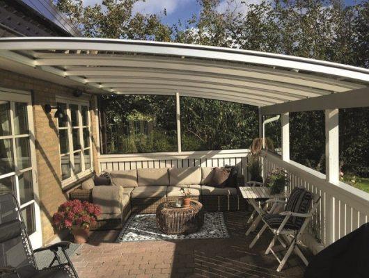Terrasseoverdækning Smuk Væghængt Model Med Hegn