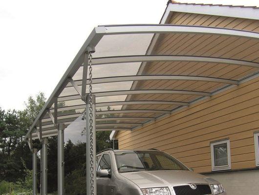 vaeghaengt-carport-monteret-paa-gavl-4581-roervig