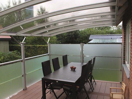 Væghængt Terrasseoverdækning Med Hegn Frosted Glas