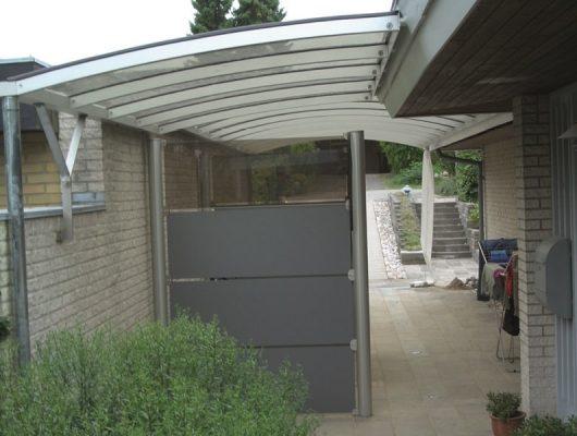 vaegmonteret-carport-specialbygget-3400-hilleroed