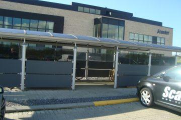 Cykeloverdækning med aflåst depotrum til  IT-virksomhed